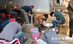 烧鸭和烧鹅是烧腊课程里最有技术含量的