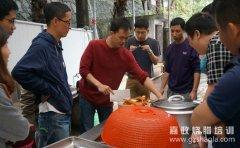 广东烧鸭一直都是广东地区的一道闻名美食