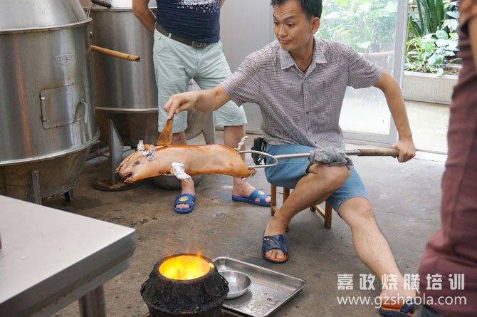 广式烧乳猪