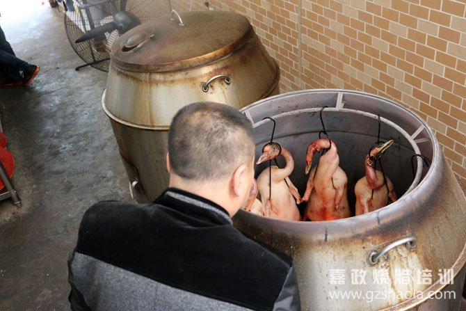 广式脆皮烧鸭