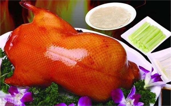 北京烤鸭和广东烧鸭的区别